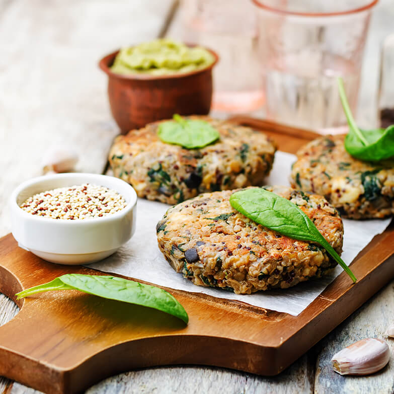 Hambúrguer de Quinoa e Salsichas de Soja Vegetais