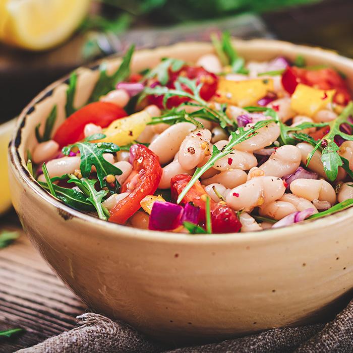 izidoro-salada-feijaobranco-salsichasperueclassicas